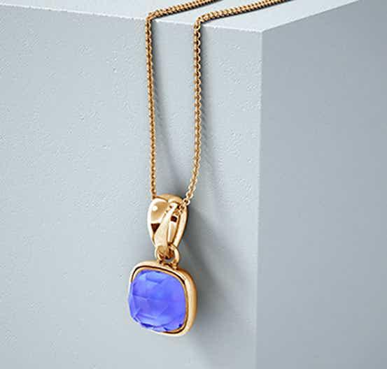 Tanzanite as Violet Blue